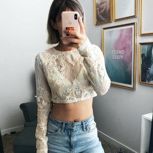 MISSGUIDED LACE LONG SLEEVE CROP TOP W/ ZIPPER